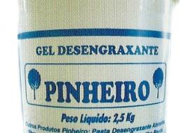 Desengraxante Pinheiro.